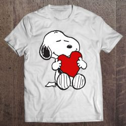 snoopy hugging heart
